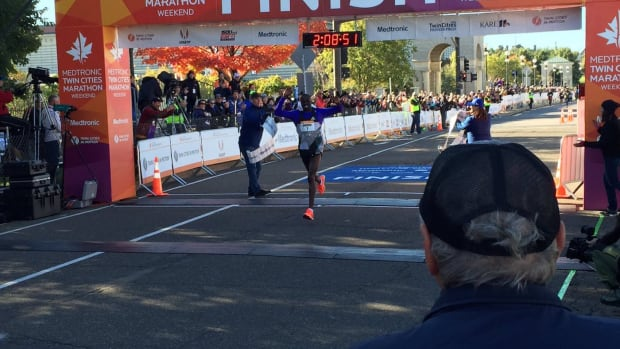 dominic-ondoro-tc-marathon-2016
