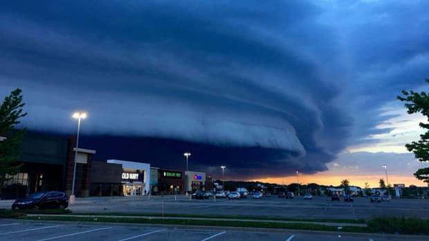 shelf cloud Rochester