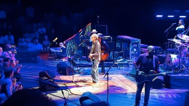 "Eric Clapton covers Prince's ""Purple Rain."""
