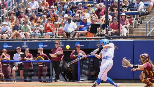 UCLA, Gophers softball, Women's College World Series 2019