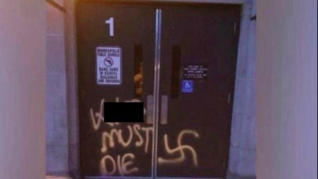 Graffiti swastika