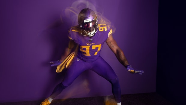Vikings purple uniforms