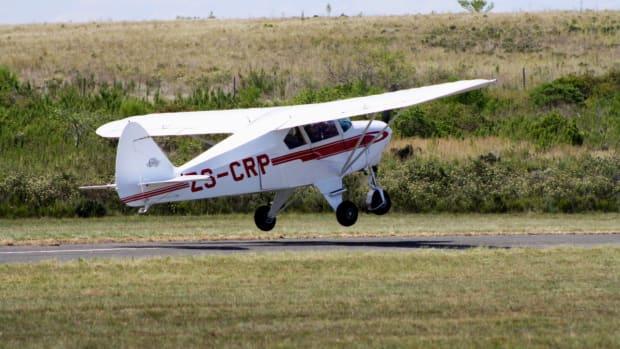 single-engine aircraft, small plane