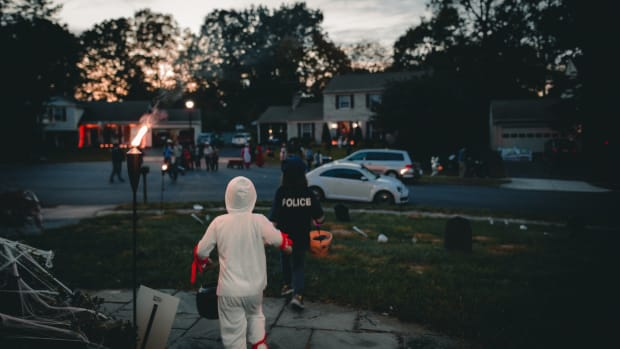 trick-or-treating, Halloween