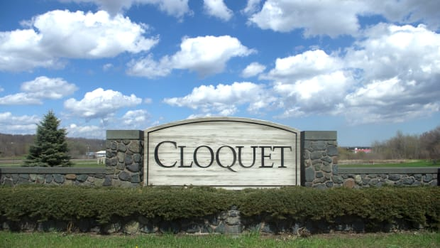 Cloquet welcome sign.