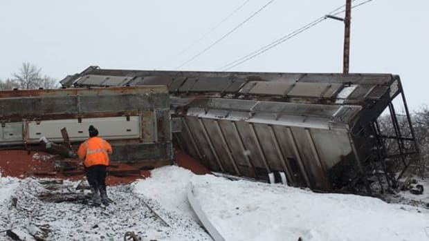 train derailment Douglas County 3-1-19