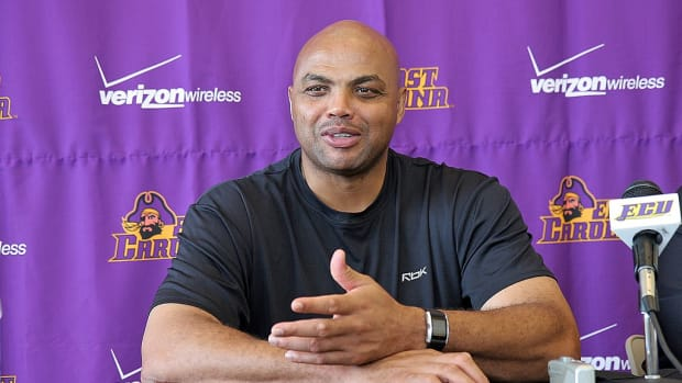 1024px-Charles_Barkley_at_East_Carolina_University