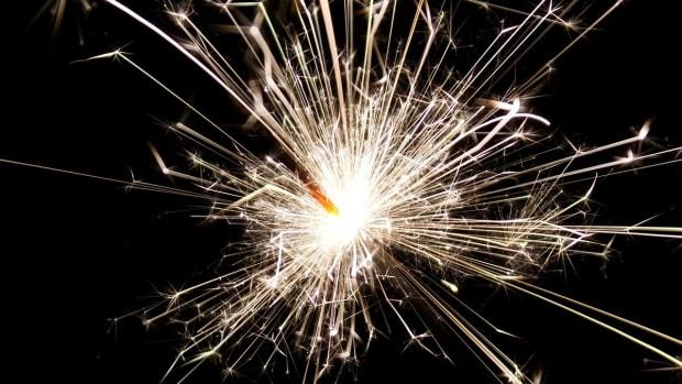 sparkler-84715_1280
