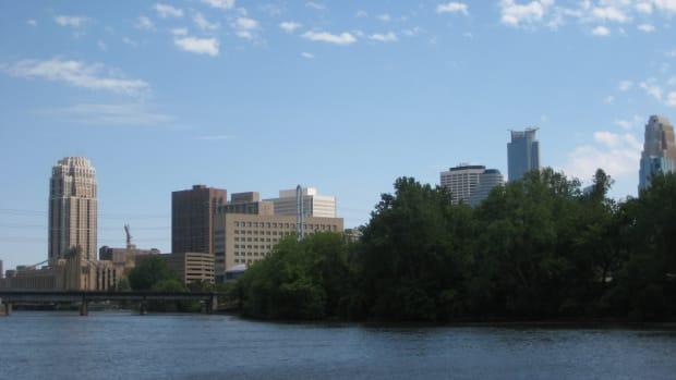 Boom Island Park, Mississippi River