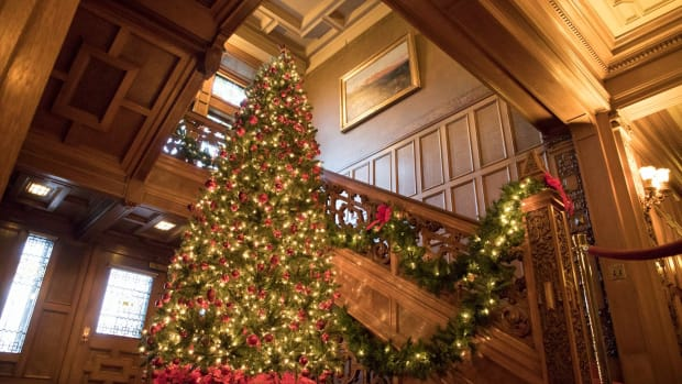 Christmas at Glensheen Mansion