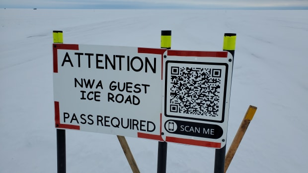 NW Angle Guest Ice Road sign (1)