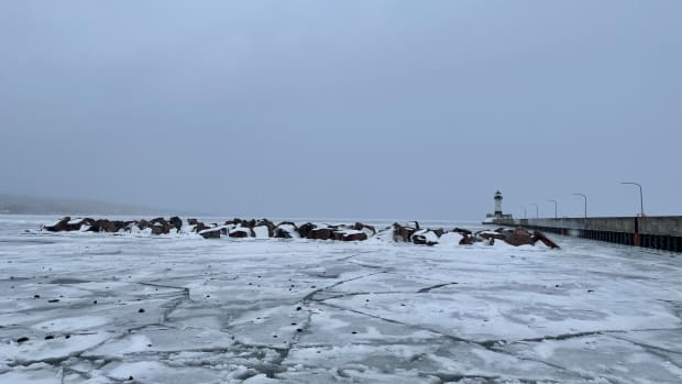 lake superior ice duluth jan 31 2021