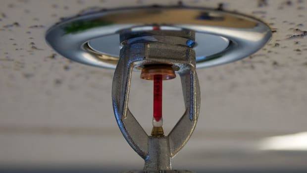 1024px-Fire_sprinkler_roof_mount_side_view