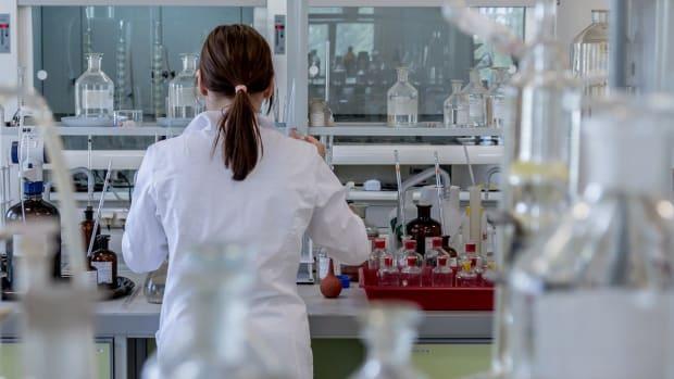 laboratory-2815641_1280