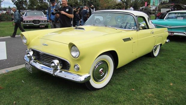 1024px-1956_Ford_Thunderbird_Hardtop