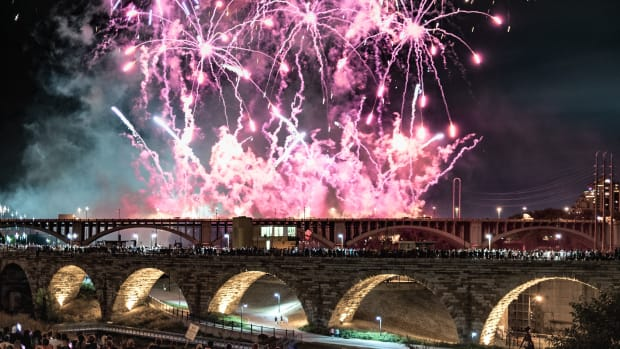 Stone arch bridge aquatennial