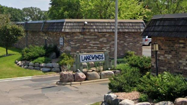 Lakewinds apartments in Mound, MN.