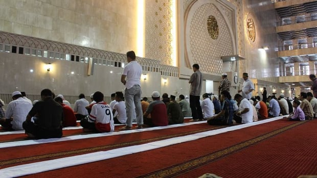 Islam mosque prayer