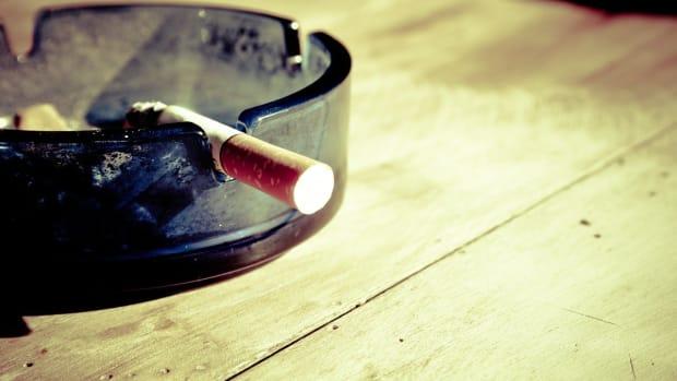cigarette-gc8e7e7299_1280