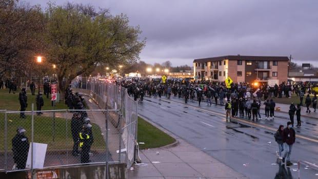 protest, Daunte Wright, Brooklyn Center