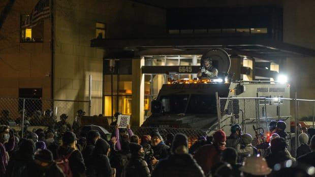 Brooklyn Center, protest, Daunte Wright