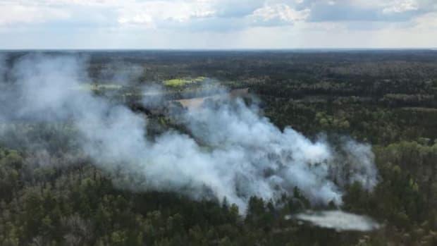 Facebook - Bezhik Fire May 18 - Tony Harding_USDA Forest Service