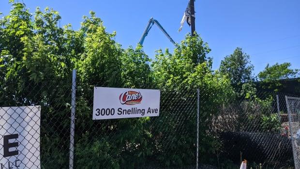 BMTN - Raising Canes sign, construction, 3000 Snelling, Minneapolis - 2021.05.26 1