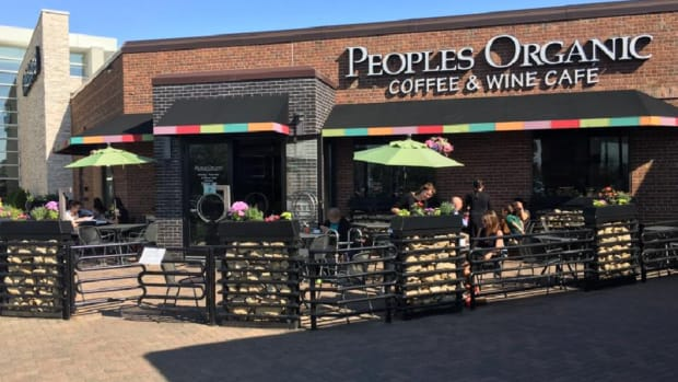 People's Organic Coffee and Wine Cafe at the Galleria