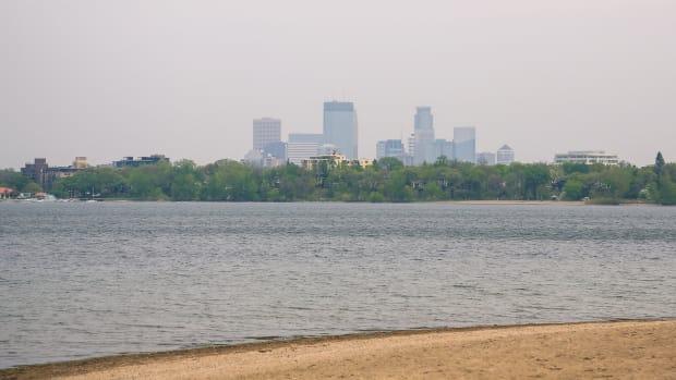 thomas beach, bde maka ska - lake calhoun