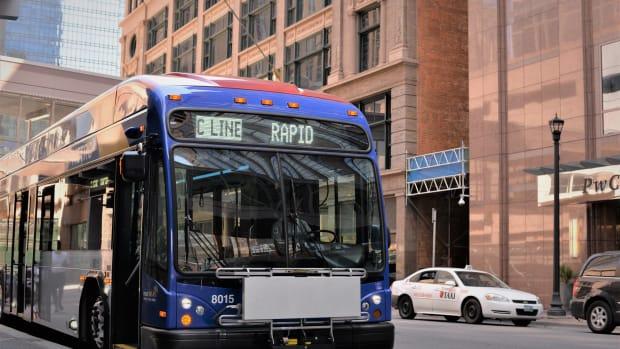 metro transit c line -electric bus