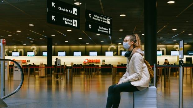 Pexels - face mask flight trains