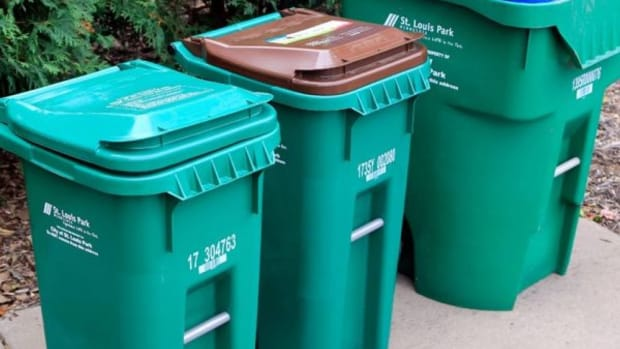 st. louis park garbage cans
