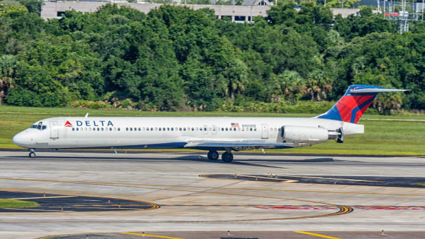 Flickr - Delta air lins plane - Colin Brown Photography