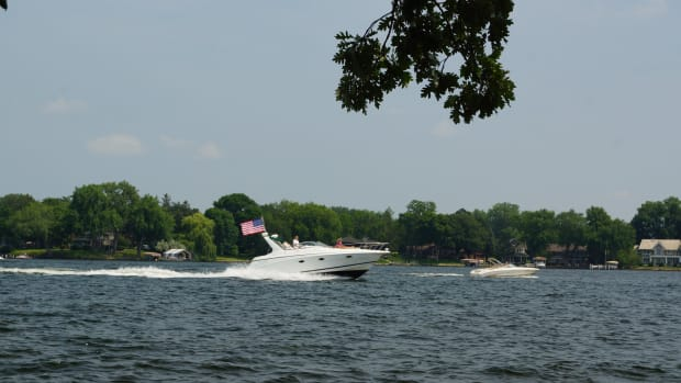 Flickr - Lake Minnetonka boat - Greg Gjerdingen