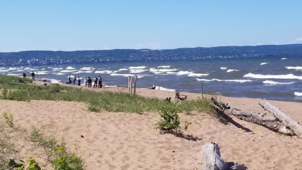 duluth park point beach waves