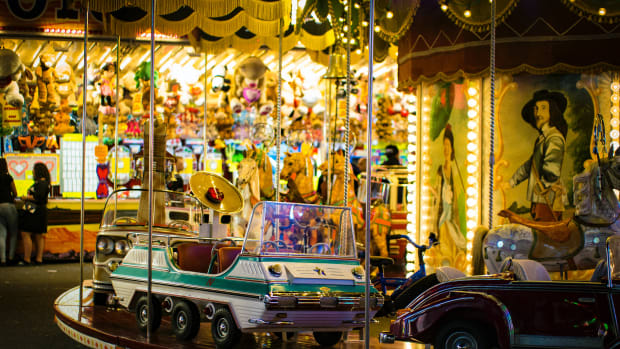 merry go round fair ride