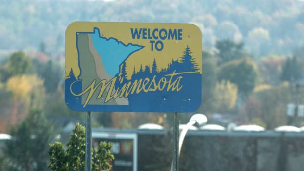 Flickr - Welcome to Minnesota sign - Lorie Shaull