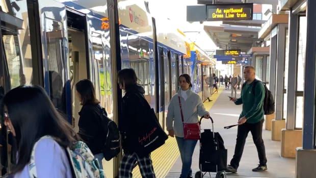 metro transit light rail riders