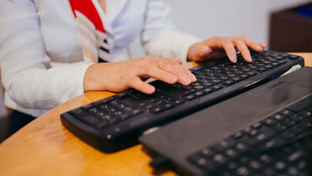 FLickr - woman typing pc -CROP