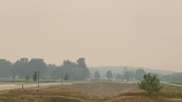 smoke, hazy sky, wildfire smoke