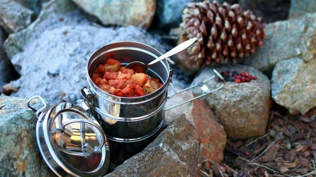 Pixabay - camp food fire