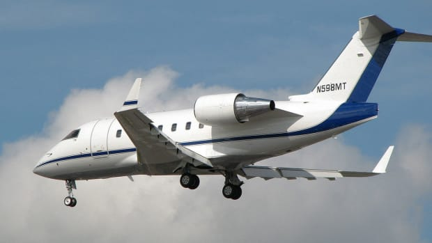 Bombardier CL 600 - wikimedia commons