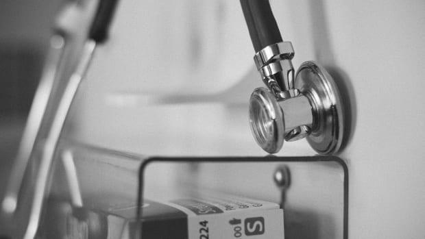 Pixabay - doctor close-up stock
