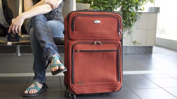 Pixabay airport traveler