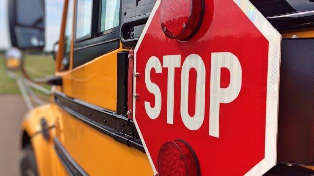 school bus stop pixabay