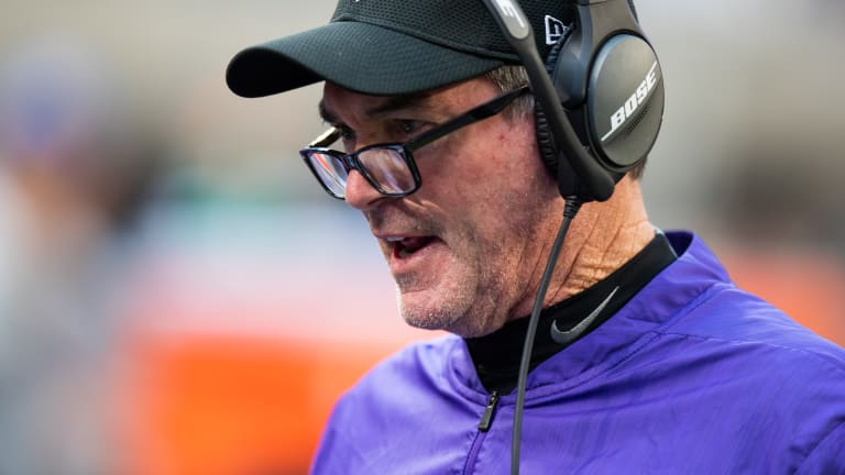 Mike Zimmer needs to become 'Riverboat Zim' to save the Vikings