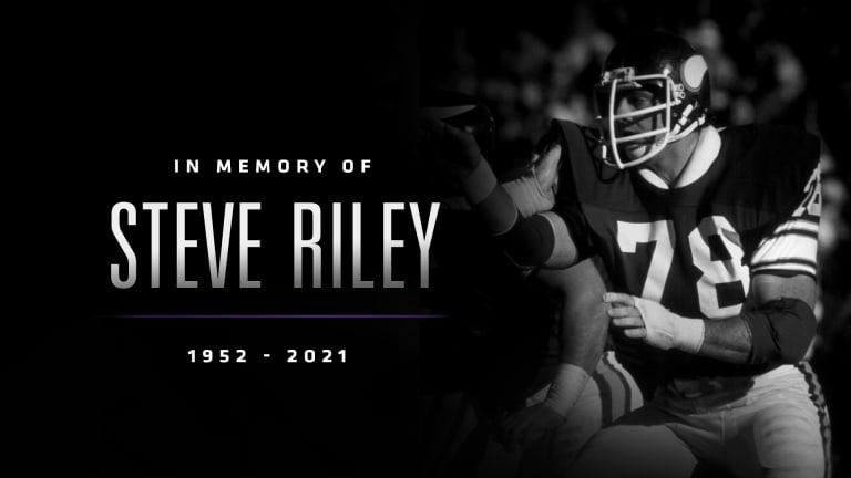 Steve Riley, longtime Vikings starting tackle, dies at 68