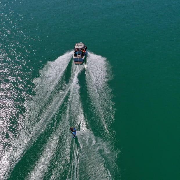 waterski