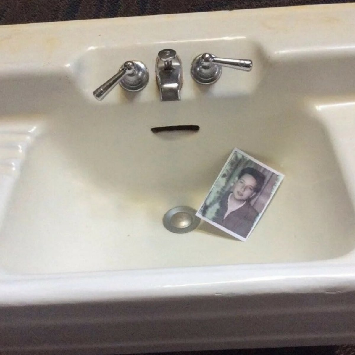 Bob Dylan S Childhood Bathroom Sink