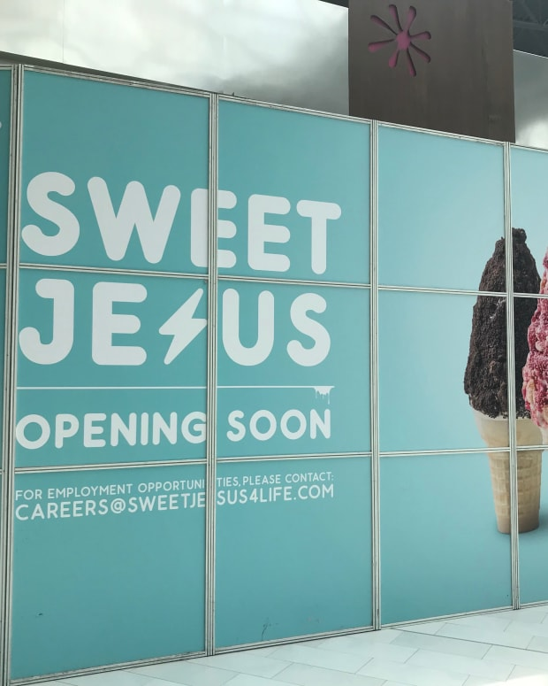 Unopened Sweet Jesus store at Mall of America